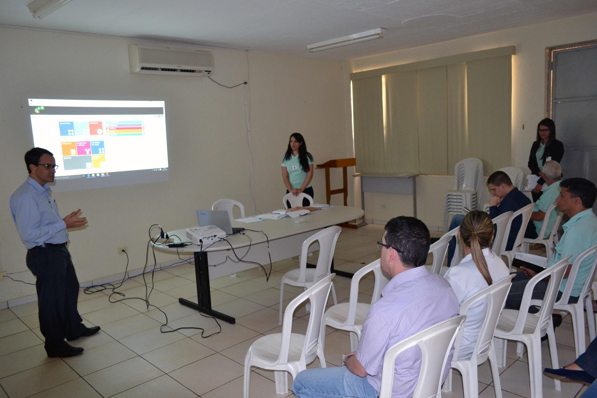Sistema de Indicadores de Desempenho da AGR é discutido no HUAna