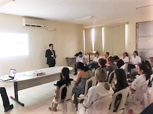 Gestores de Contratos do HUAna participam de reunião com consultoria fiscal