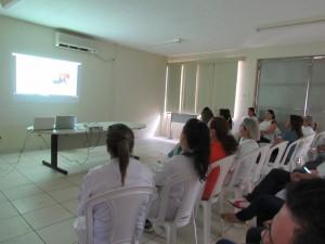 Profissionais do HUAna participam de capacitação sobre cicatrização de feridas