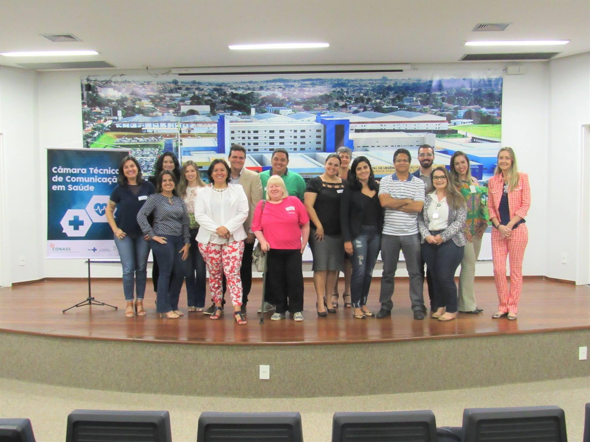 Assessora de Comunicação do HUAna participa de reunião com o Conass