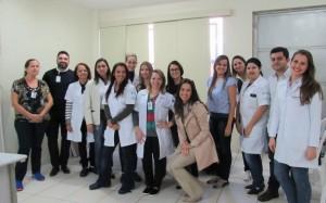 Colaboradores do HUAna participam de capacitação sobre Nutrição Parenteral