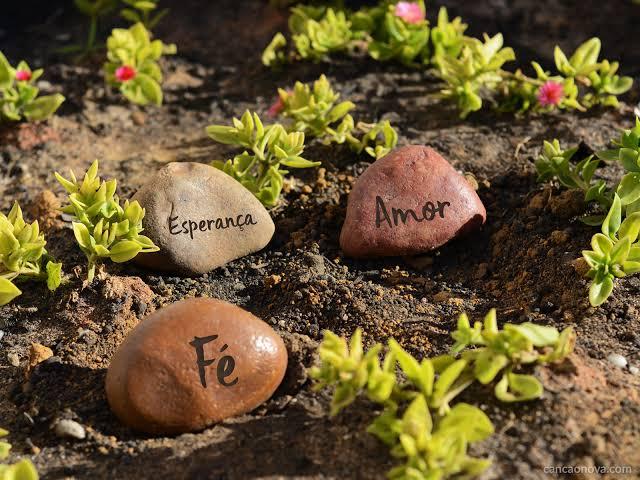 Tempo de renascer a fé, o amor e a esperança